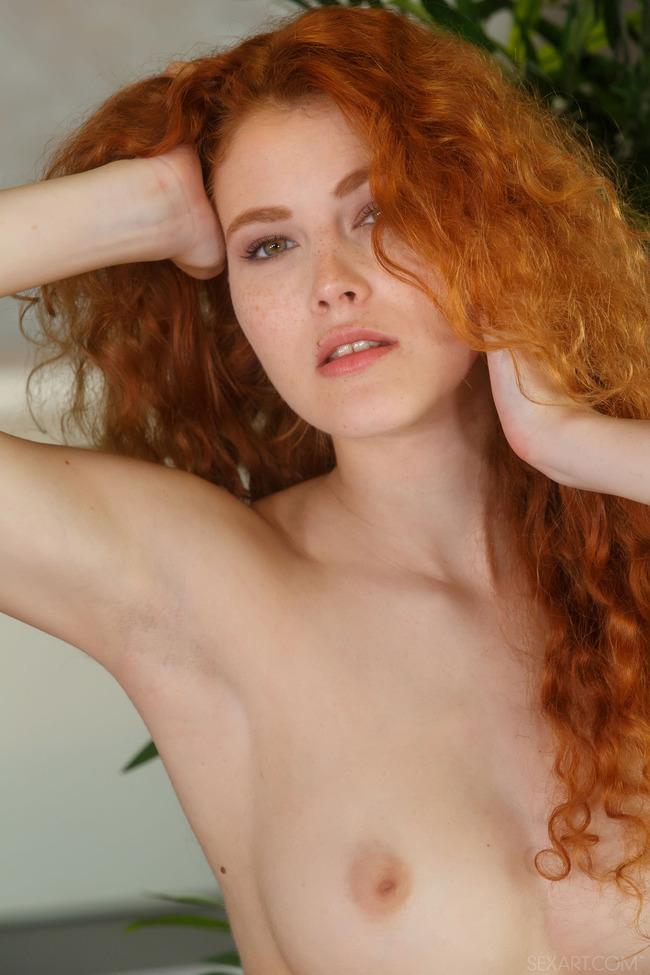 Голые рыжие с зелеными глазами, русская девушка вика на медосмотре у гинеколога